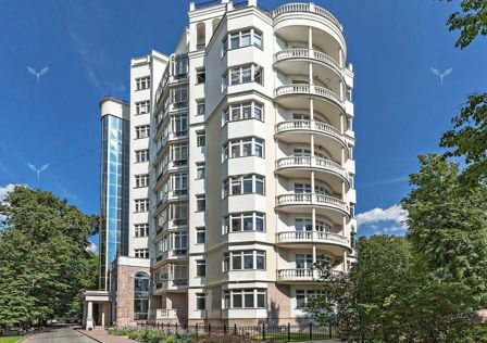 Продаётся 6-комнатная квартира, 364 м²