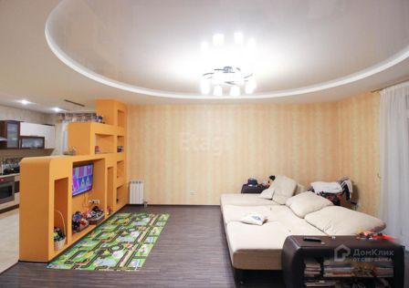 Продаётся 3-комнатная квартира, 122 м²