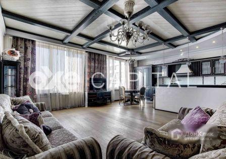 Продаётся 3-комнатная квартира, 135 м²
