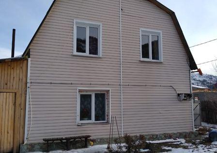 Продаётся 2-этажный дом, 130 м²