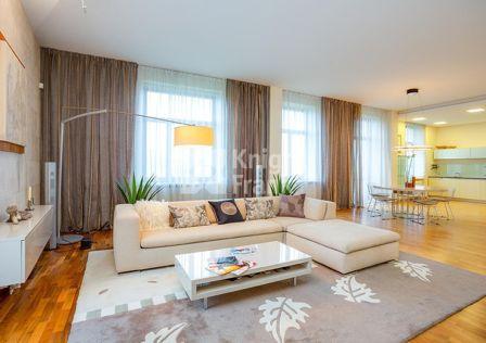 Продаётся 2-комнатная квартира, 117 м²