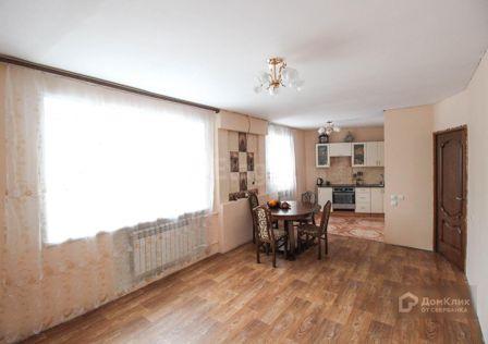 Продаётся 4-комнатная квартира, 90 м²