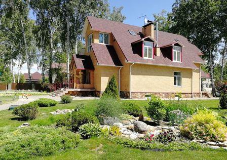 Продаётся 4-этажный дом, 393 м²