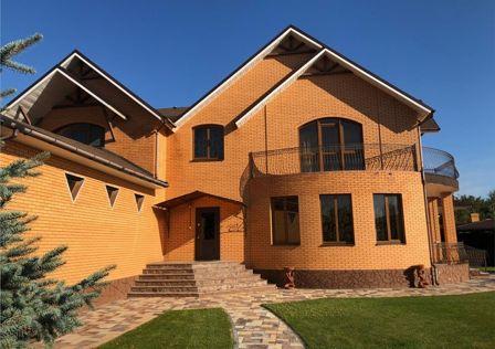 Продаётся 2-этажный дом, 473 м²