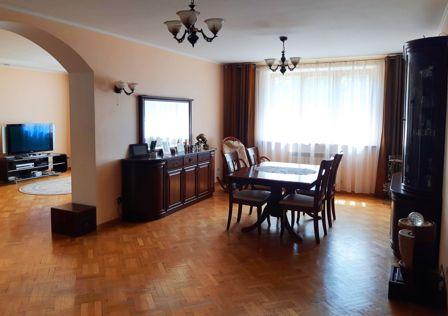 Продаётся 3-этажный дом, 261 м²