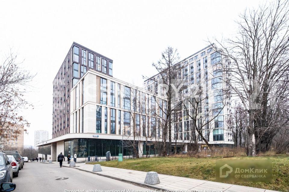 Продаётся 4-комнатная квартира, 188 м²