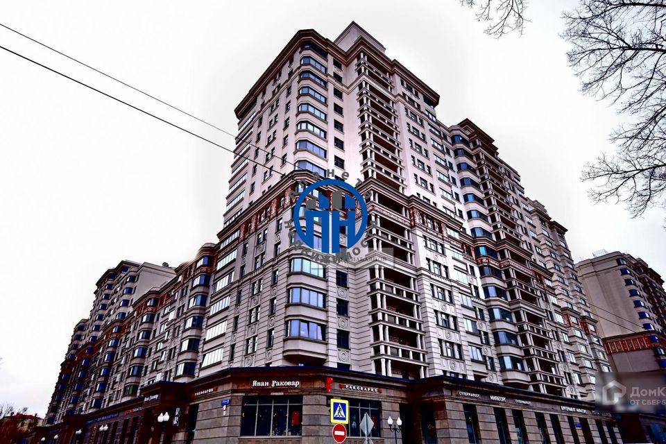 Продаётся 3-комнатная квартира, 130.9 м²