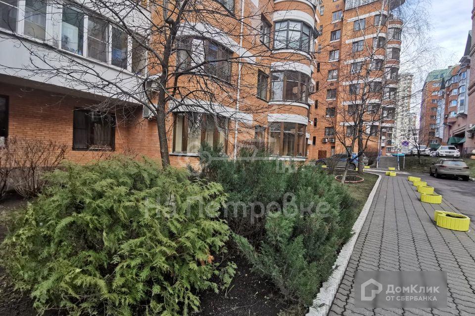 Продаётся 5-комнатная квартира, 153 м²