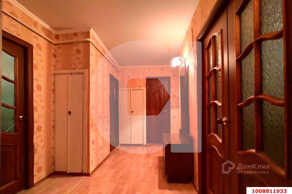 Продаётся 4-комнатная квартира, 75.7 м²