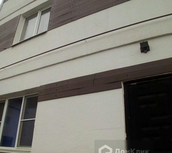 Продаётся 3-этажный дом, 380 м²