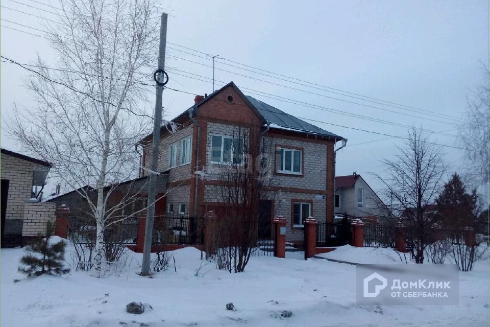 Продаётся 3-этажный дом, 170 м²
