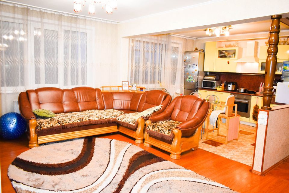 Продаётся 4-комнатная квартира, 103.5 м²